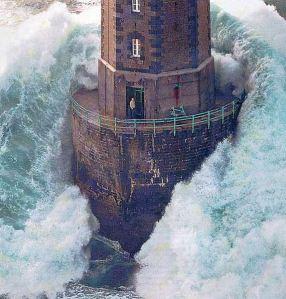 lighthousewave2